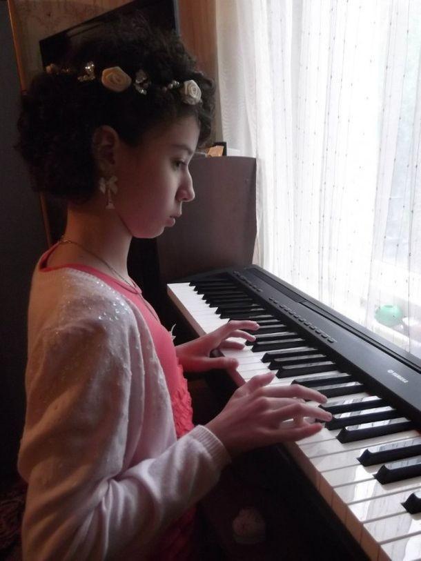 юная девочка видео фото