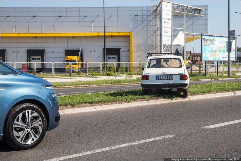 Кстати, если говорить о культуре вождения сербов, то это те еще водители! авто, автопутешествие, движение, дороги, путешествие, сербия, фото, фоторепортаж