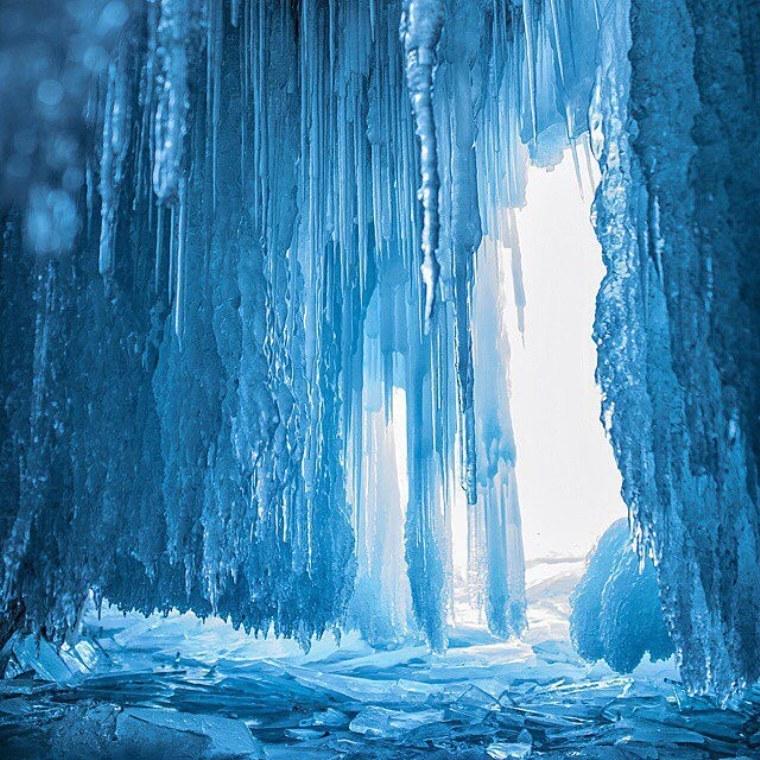 Экстремальные ледовые пещеры мира