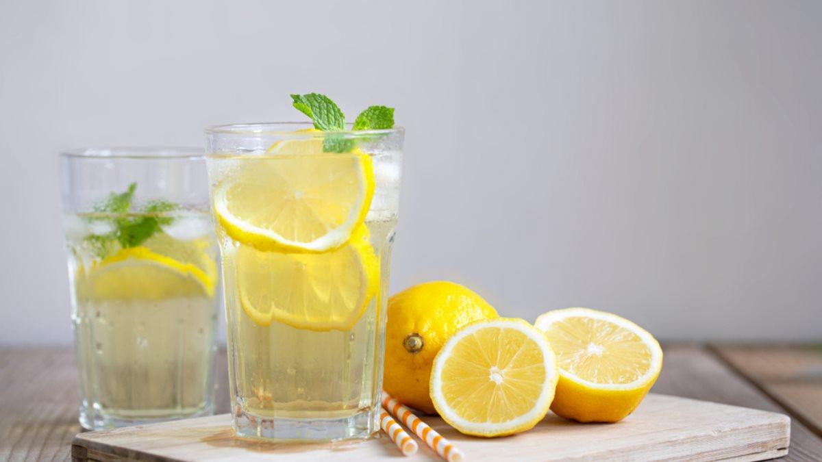 Преимущества воды с лимоном перед завтраком