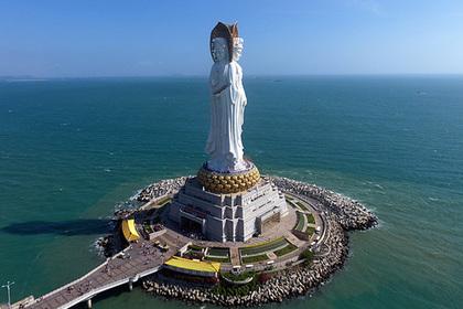 Сотни российских туристов застряли на китайском острове из-за поломки самолета