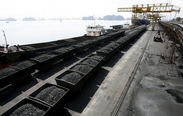 Русофобия обязывает: Украина ждет поставки угля из США по заоблачным ценам