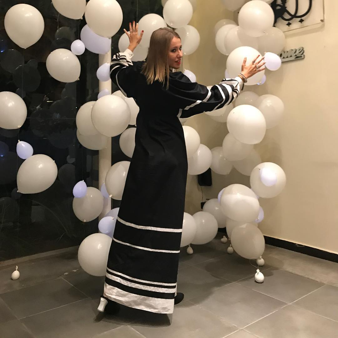 """А судьи кто?"" : Собчак о нашумевшей свадьбе и ""чисто по дружбе"" сдала звезд шоу-бизнеса"