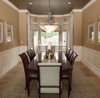 Сочетайте общие цвет  потолка с цветовыми акцентами комнаты