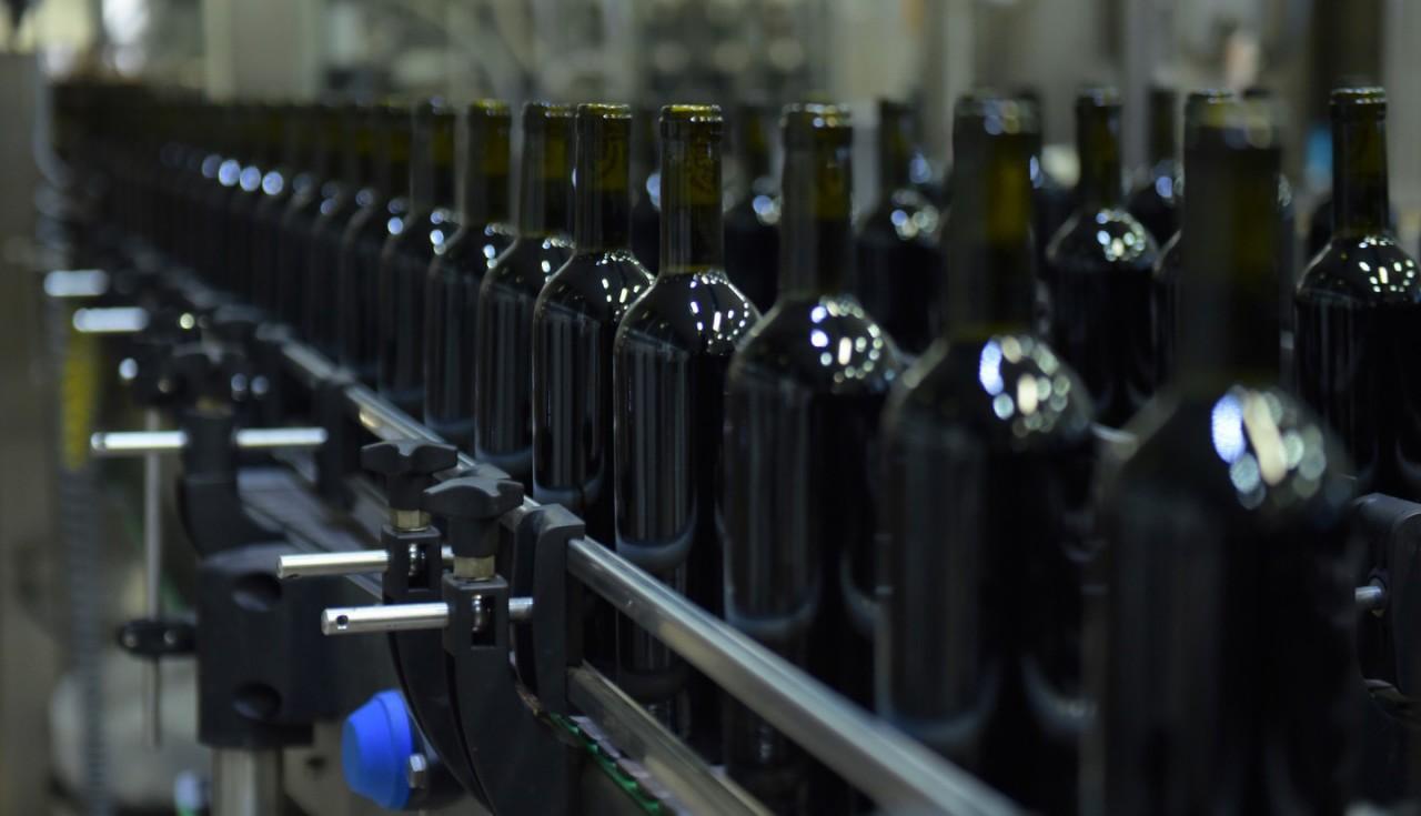Больше Боярышников хороших и разных: Минфин РФ предложил повысить цену водки до 219 рублей за пол-литра