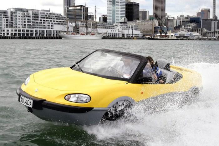 Автомобиль-амфибия Gibbs Aquada