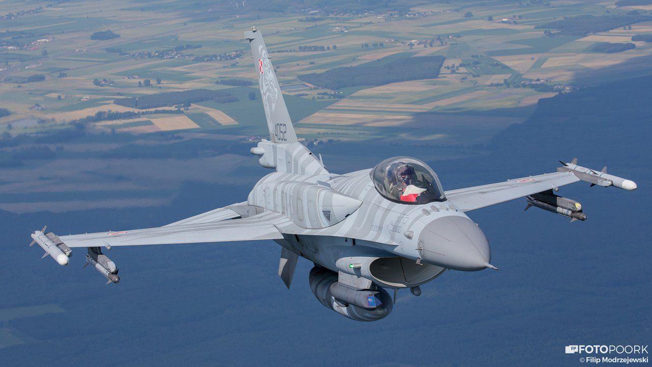 Польше будут поставлены дополнительные 150 ракет AIM-120C-7 AMRAAM