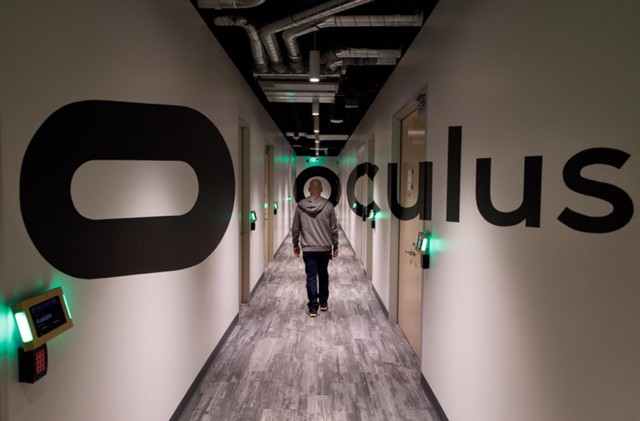 Цукерберг показал VR-лабораторию Oculus