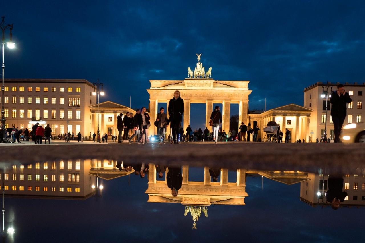 """""""Впервые стыжусь, что я немка"""". Германию возмутило решение мэрии Берлина"""