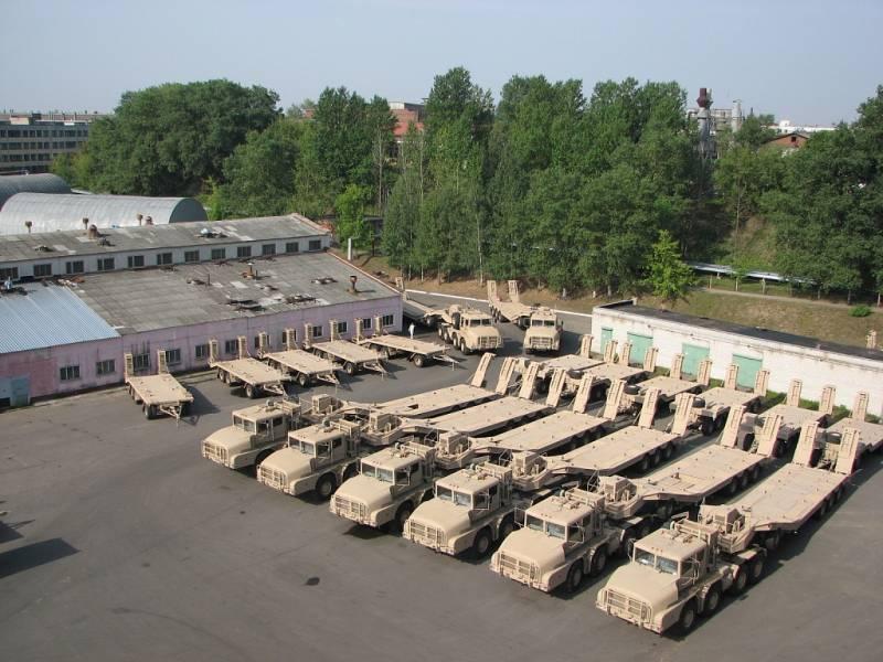 Автопоезд-танковоз МЗКТ-7413…