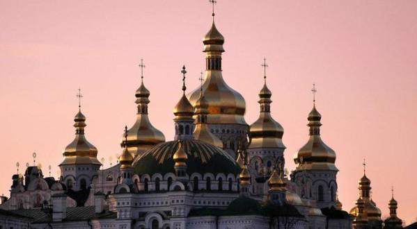 Порошенко попытается склонить Украинскую Церковь к участию в «автокефальном соборе»