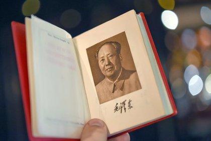 В Китае уволили назвавшего Мао Цзэдуна дьяволом чиновника