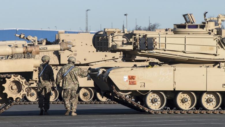 WSJ: США перебросят танки из…