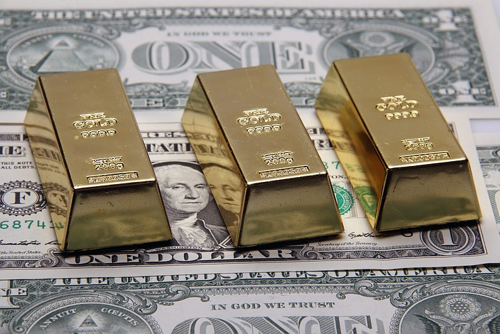 WSJ: Россия приступила к сокращению роли доллара в своей экономике