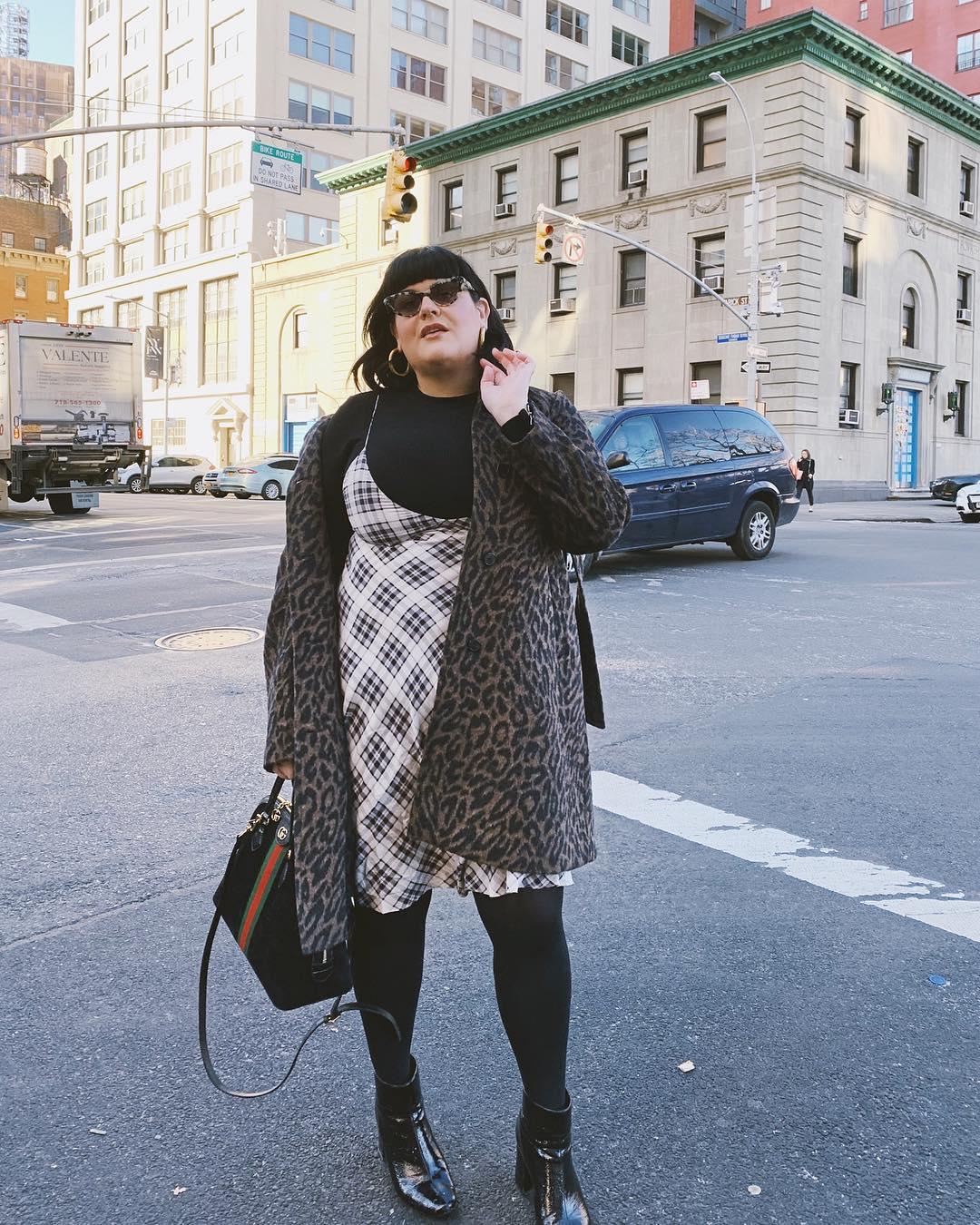 Модные тенденции осени 2019 для полных женщин фото 12