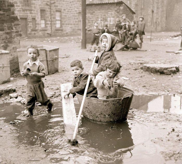 30. Игры в грязи, Глазго, 1960 год  детство, прошлое, фотография