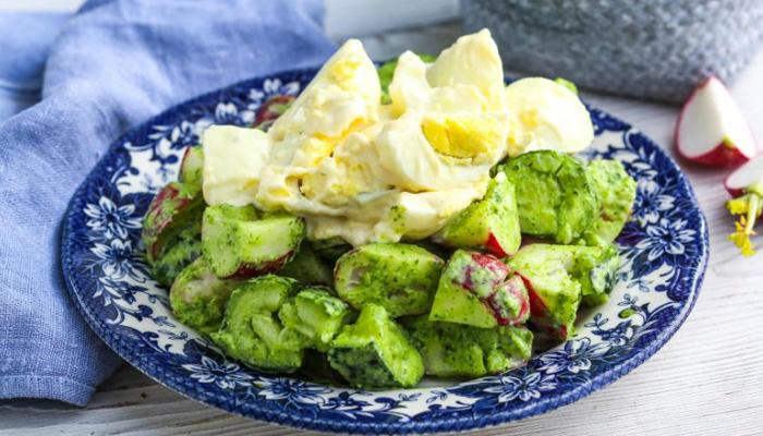 Ресторанное блюдо из пучка редиса: бесподобный салат, который хочется есть каждый день