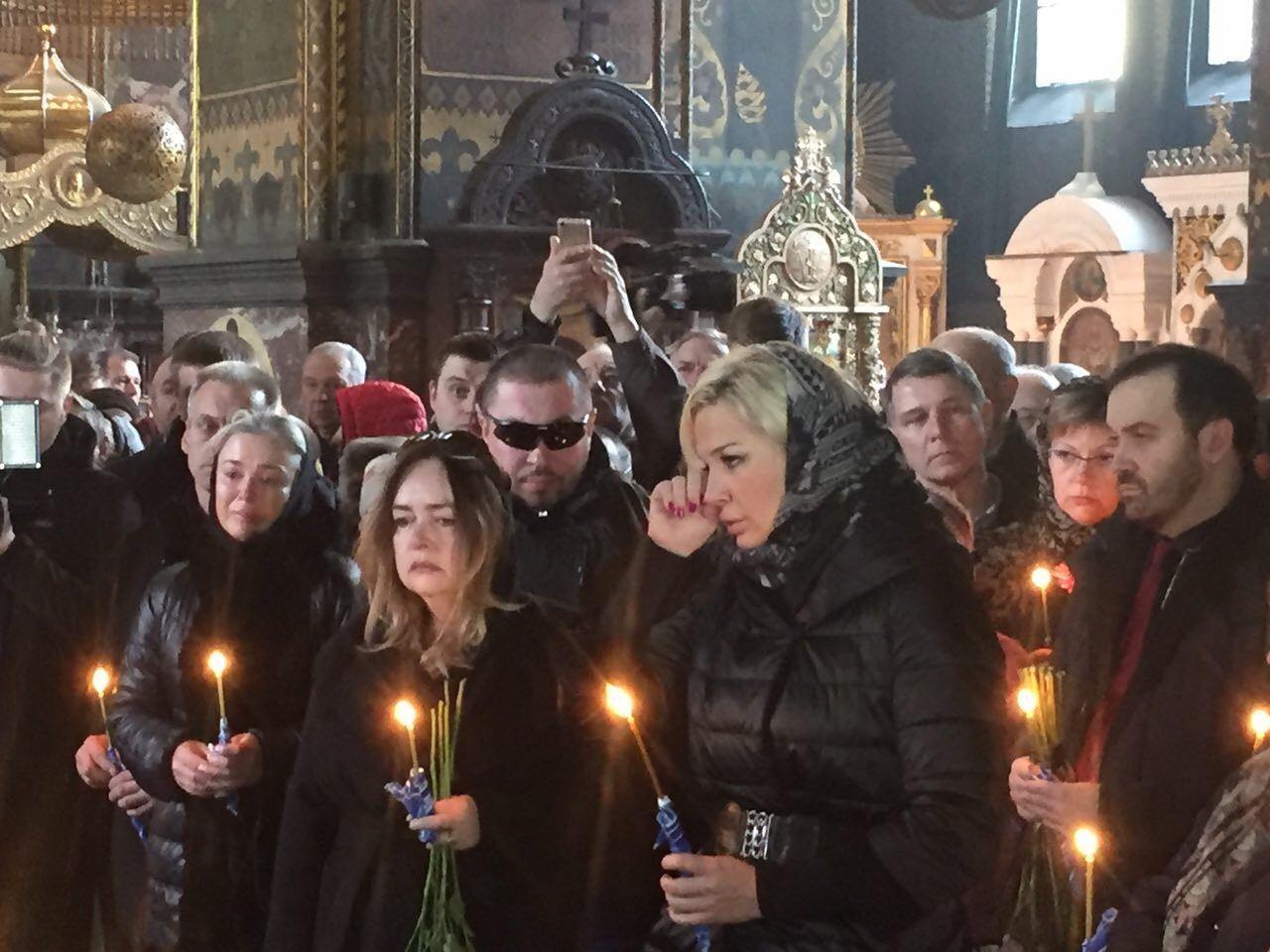 Отпевание коммуниста Дениса Вороненкова сосотялось  в 12:00 во Владимирском соборе