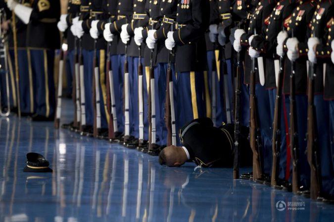 Кровавая медаль интервенту: за что наградили Обаму?
