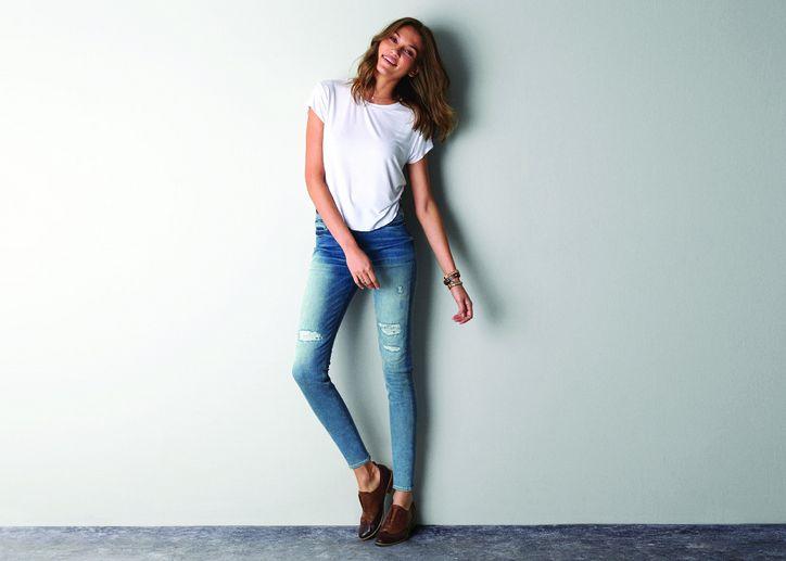 Как носить джинсы скинни: особенности и 25 стильных образов