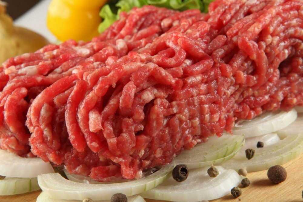Как правильно выбирать мясо на рынке и в магазинах. Советы от настоящего мясника