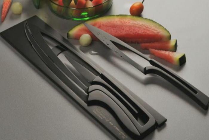 Компактный набор ножей. | Фото: At Home with Kim Vallee.