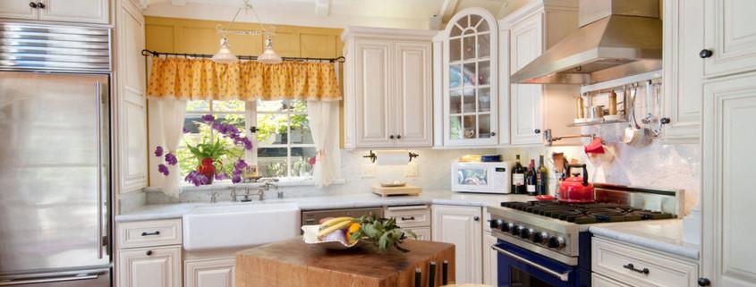 Кухня в стиле шебби шик – гармония практичности и романтики