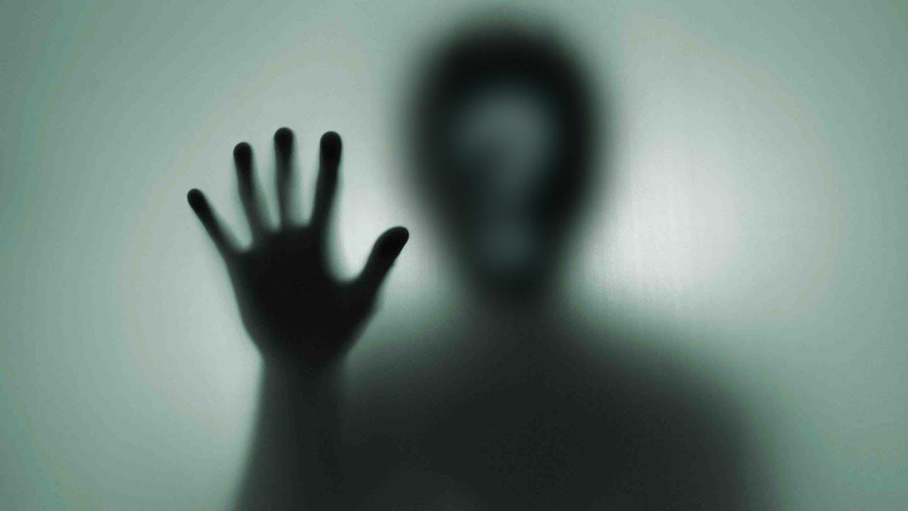 """В ирландской школе камеры наблюдения засняли """"призрака"""""""