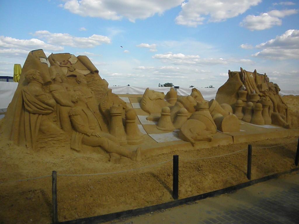 Скульптуры из песка 8