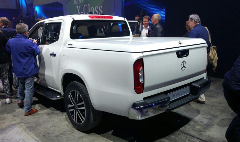 Первый пикап Mercedes-Benz: пружинная подвеска и дизельный V6
