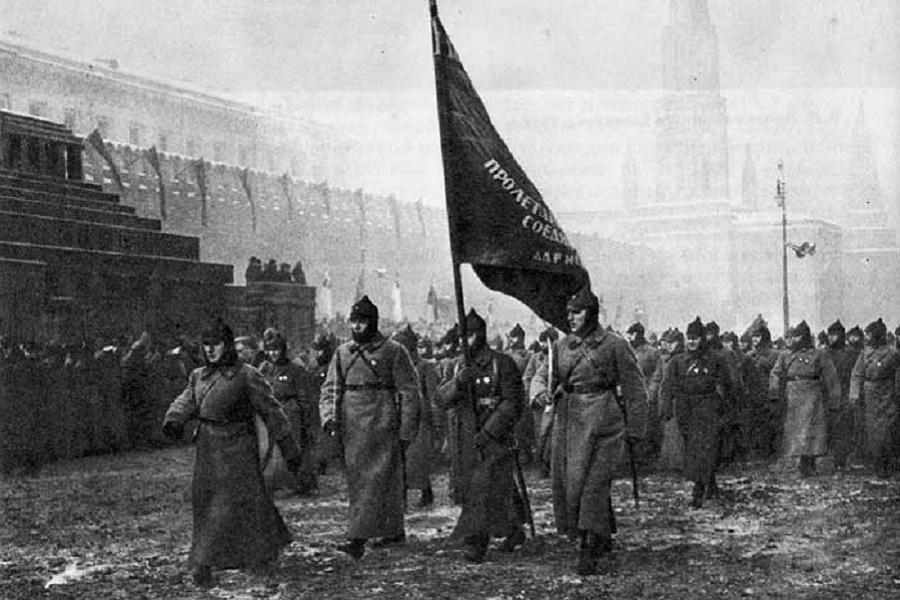 Офицеры-патриоты выбрали Красную Армию. Остальные - предали Россию