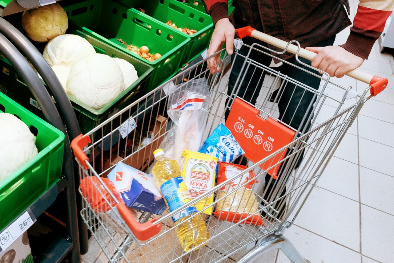 Украинцы — ползарплаты, россияне — треть. Сколько жители Европы тратят на еду