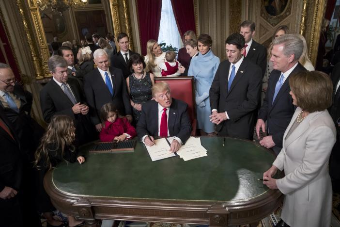 Новый исторический прецедент - Трампутин  (Trumputin) made in USA