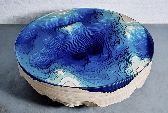 Многослойный стол, похожий на море