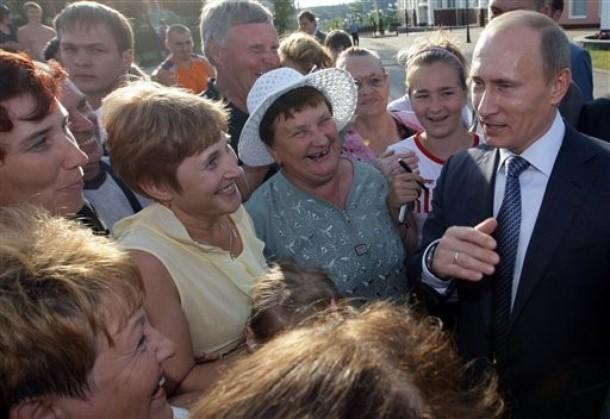 Путин ли обманул народ российский? А может, он сам обманываться рад?