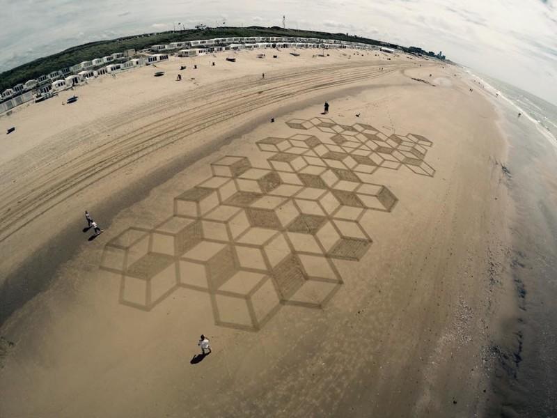 Тим Хукстра — художник создающий огромные рисунки на песке Тим Хукстра, картины, красота, океан, песок, рисунок, художник