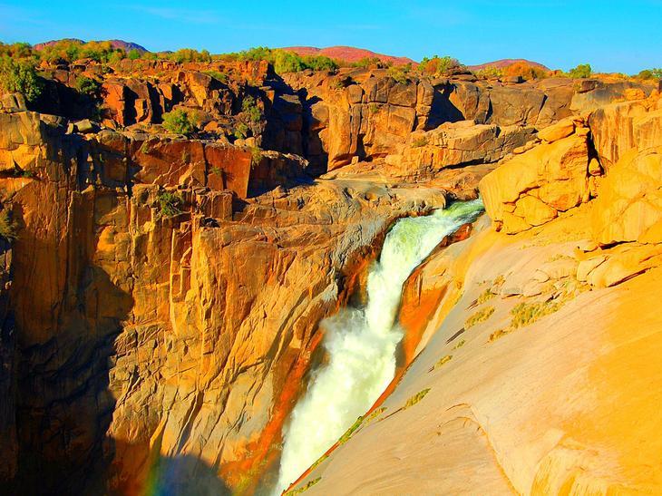Водопад Ауграбис Южная Африка. Каякам здесь не место. Самые причудливые и величественные водопады планеты. Фото с сайта NewPix.ru