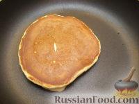 Фото приготовления рецепта: Хоткейки - американские оладьи на молоке - шаг №8