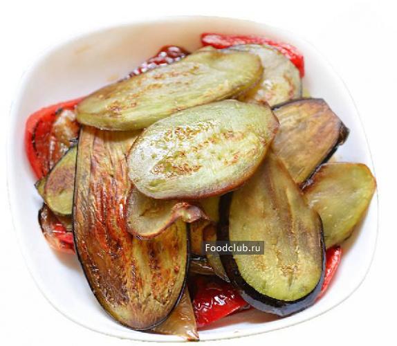 Чесночно-ореховый салат с баклажанами и перцем (этап 5)