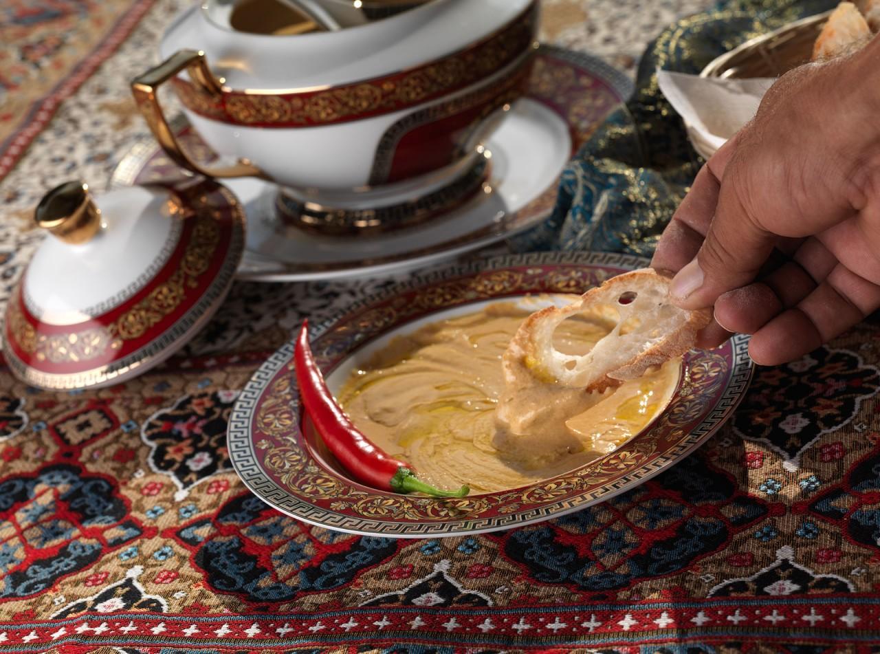 Еще раз о хумусе - прекрасной, сытной закуске, можно сказать, полноценной еде... без мяса!