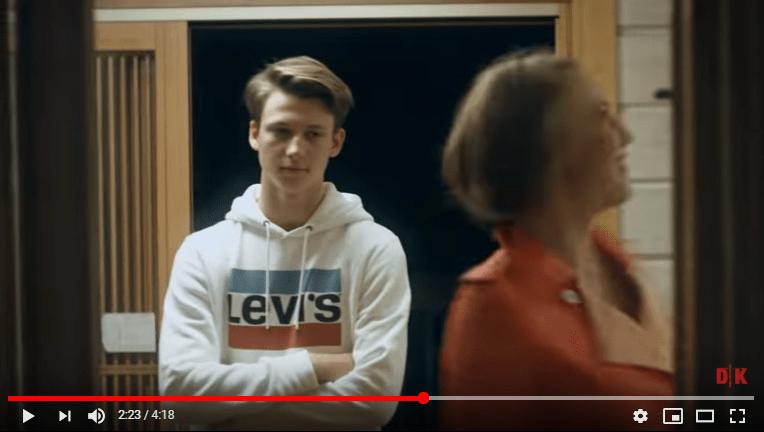 Кудрявцева, Джанабаева и другие звездные мамы с детьми в клипе — видео