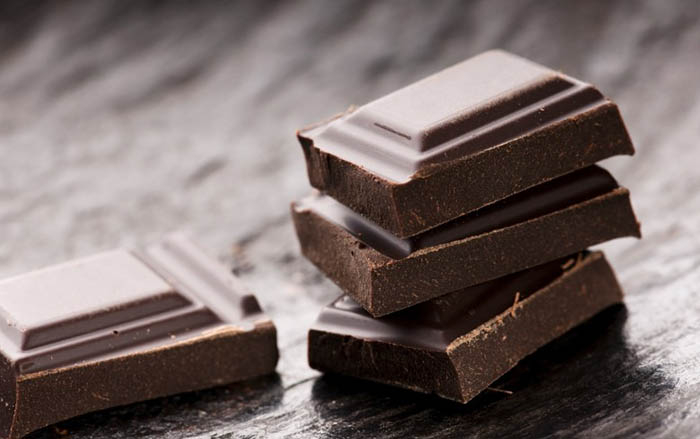 Чёрный шоколад от кашля