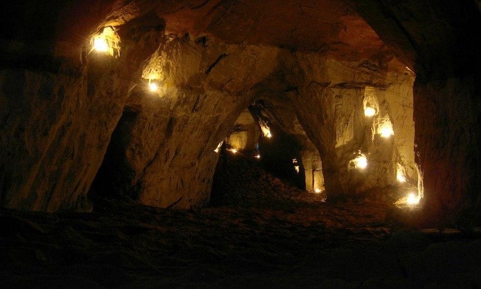 Оредежские (борщевские) пещеры.