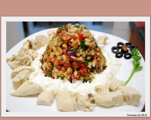 Итальянский салат по домашнему с хлебом. Фото-рецепт.