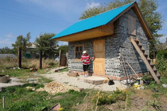 Блог им. Tatulie: бутылочный домик: Компактные дома, доступное жилье, микропространства, префаб дома.
