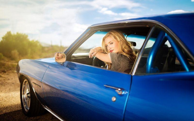 Что вытворяют девушки за рулем. Парковка — уровень Бог!