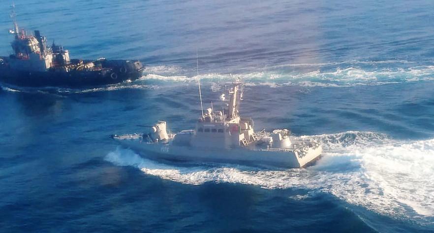 Украина анонсировала новый поход своих военных кораблей через Керченский пролив