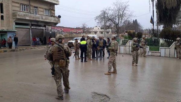 Атака боевика-смертникаИГ всирийском Манбидже унесла жизни 4 военных США