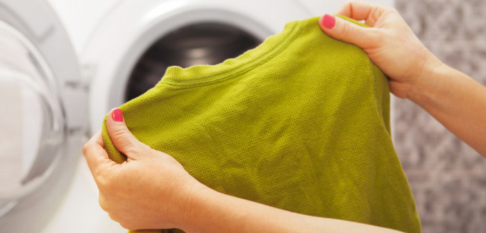 Средство поможет любимой вещи вернуть первоначальный размер. / Фото: jlady.ru