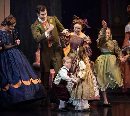 Семилетний Джек Барлоу вышел на сцену в балете «Щелкунчик», став первым танцором с синдромом Дауна